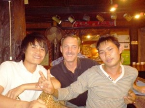 Thai boys and Gay ex pats enjoy Sunday Lunch at the Pub