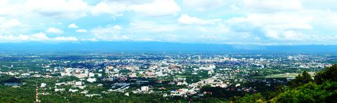 Panorama view of Chiang Mai © Takeaway - Wikimedia  Licence: Creative Commons