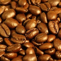 Dark roasted espresso coffee beans (Source:wikimedia)