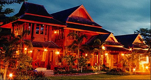 Ruen Come in Hotel and Restaurant - Lanna Style in Chiang Mai
