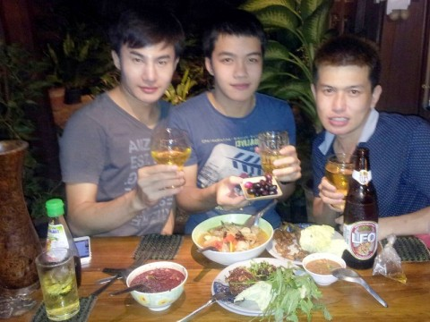 Note and the boys at Radchada - Gay bar in Chiang Mai