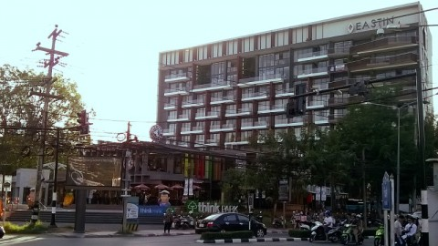 Eastin Hotel and Think Park at the intersection of Huay Kaew Rd and Nimmanaheminda