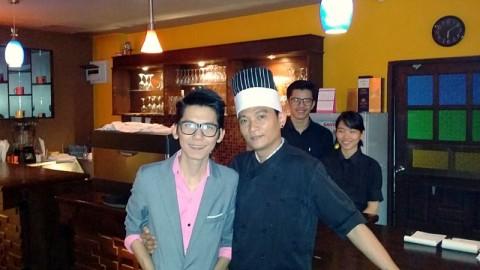 Khun Oh and Khun Lek - owners of Casa Diverso