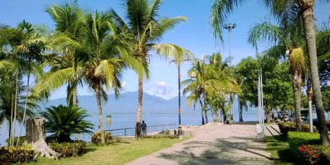 The waterfront at Phayao Lake (Kwan Phayao)