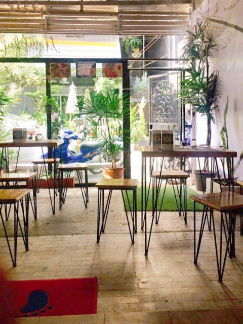 Soho lounge Chiang Mai - gay bar and restaurant in Thailand