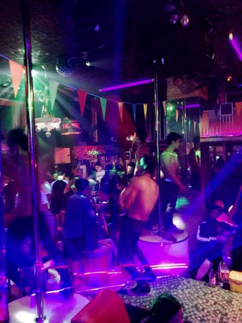 Free guiy gay club and karaoke Chiang Mai