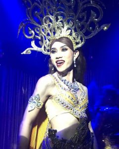 Ram Bar Show Chiang Mai gitl on stage