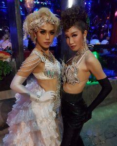 Ram Bar show Chiang Mai - gitls in white and blakc dresses